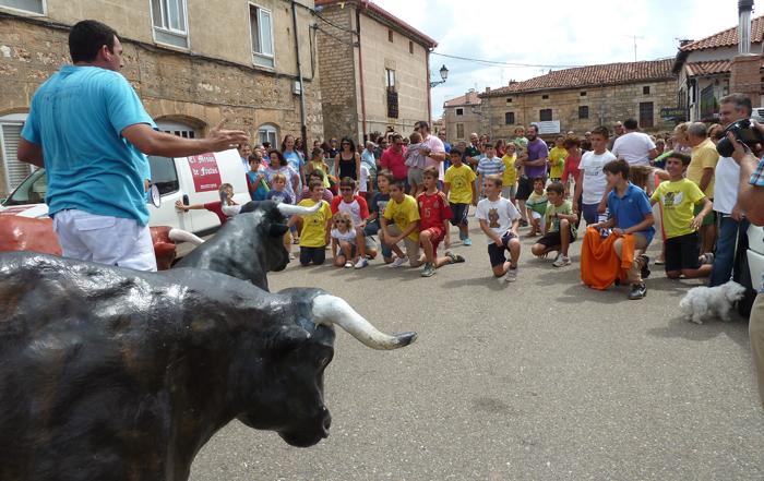 Mecerreyes, encierro infantil Zaragata, 30-08-14
