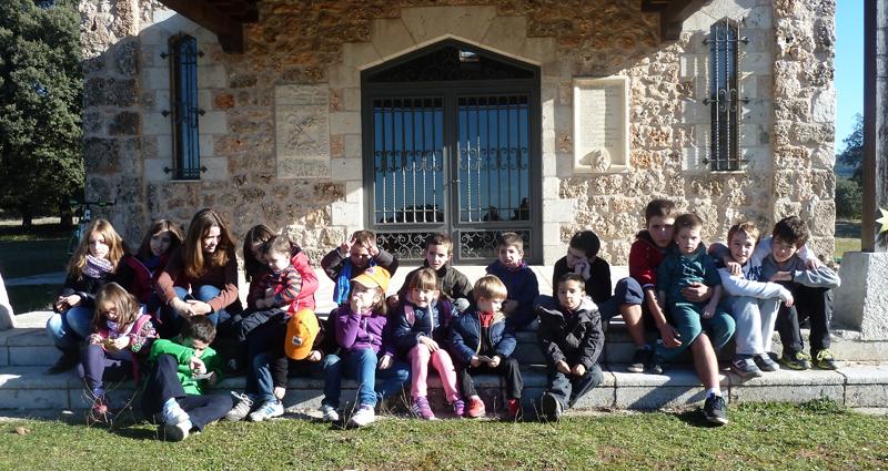 Mecerreyes, los niños ponen estrellas en el monte, 3-01-15 (2)