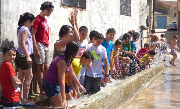 Mecerreyes, aclarado Fiesta de la espuma, 30-08-2015