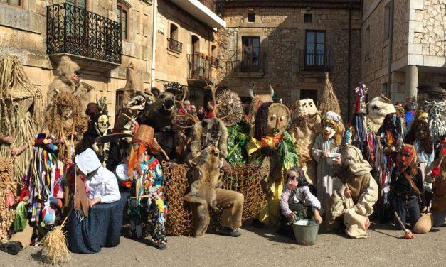 Fiestas de Invierno. Domingo de Carnaval: Carnavaladas y Corrida del Gallo. Marzas 2017